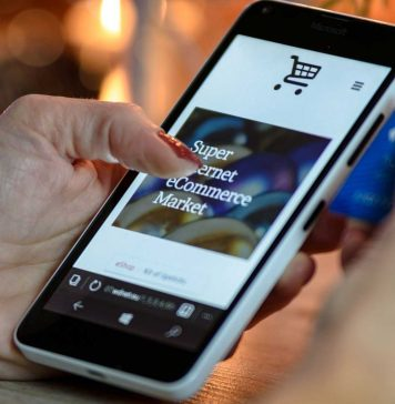 Can-a-Smartphone-Allow-You-To-Get-Card-Payments-on-nextreading-online