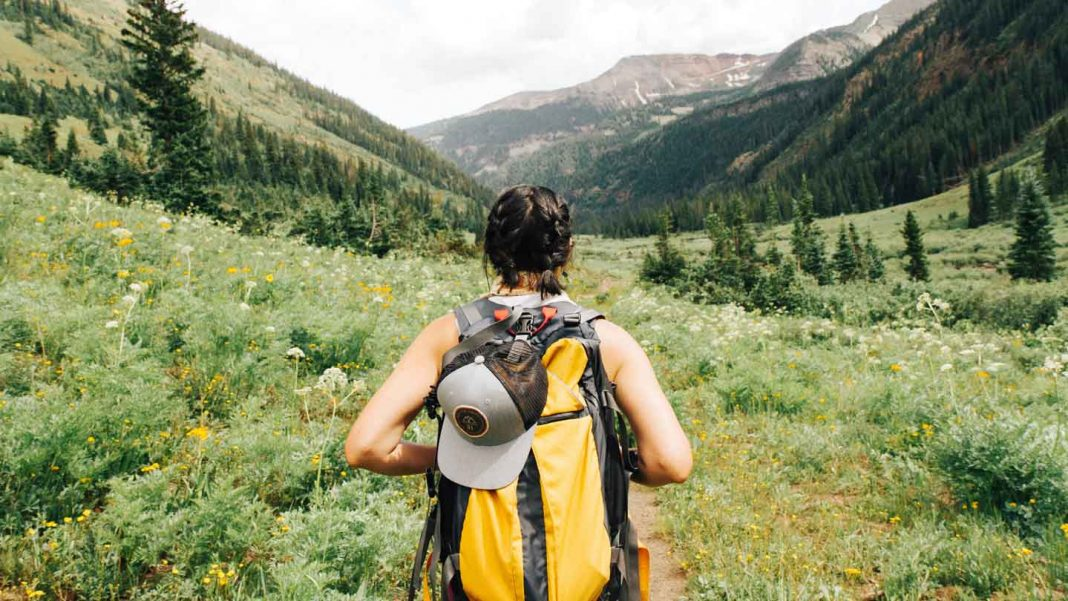 Features-Must-Consider-Before-Buying-Your-Hiking-Pack-on-nextreading-online