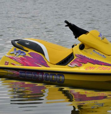 You-Should-Know-About-Jet-Ski-Wetsuit-&-Drysuit-on-NextReading